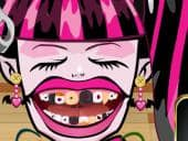 Draculaura's Perfect Teeth