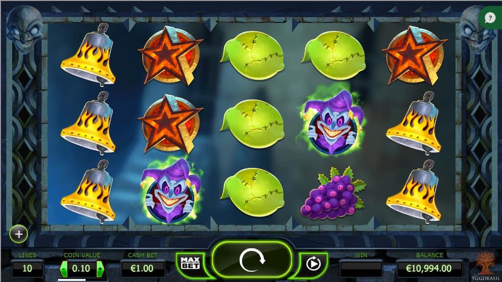 The Dark Joker Rises Slot Machine